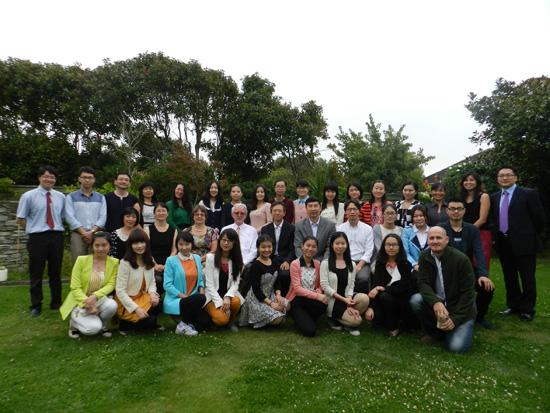 中国驻新加坡大使接见赴新国际汉语教师