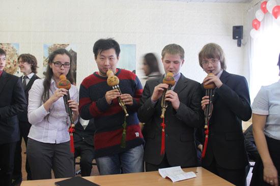 莫斯科国立大学汉语文化推广中心将中华文化带入中学