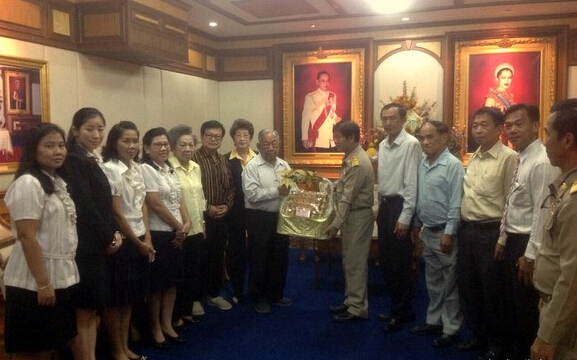 10月6日,彭世洛府华侨协会、醒民学校及醒民学校汉语教学点