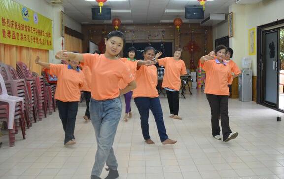 勿洞对外汉语教师培训中心第二期古典舞舞蹈班开课