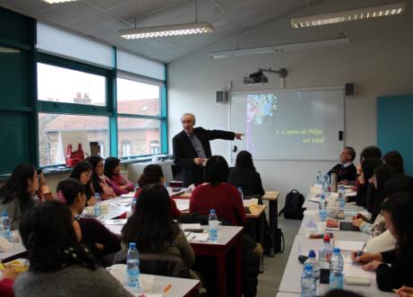 阿尔多瓦孔子学院承办法国北部年度汉语教学法培训