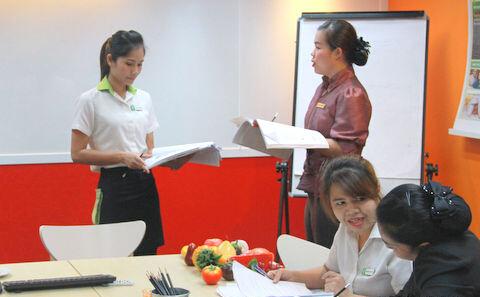 素攀孔子学院举办2015年第一期酒店汉语培训班结业仪式