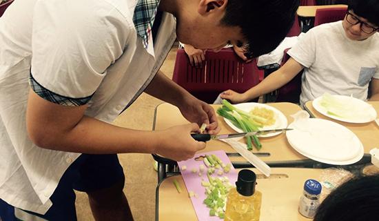韩国泰成中高等学校汉语教学点举办厨艺大比拼活动
