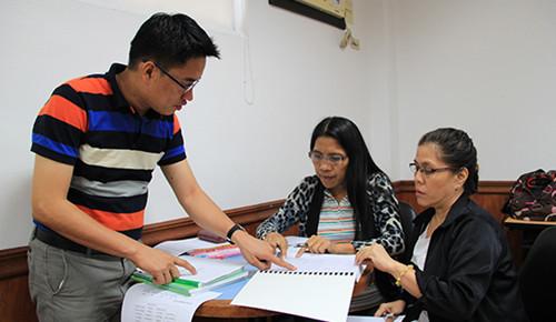 菲律宾孔子学院组织研讨会指导公立中学汉语教学