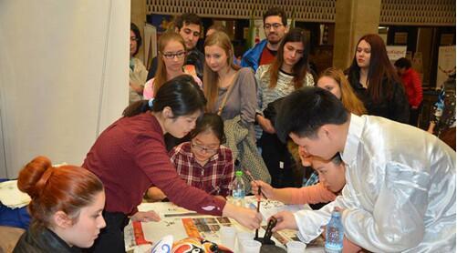 布加勒斯特孔院参加罗马尼亚亚洲节展现中国文化