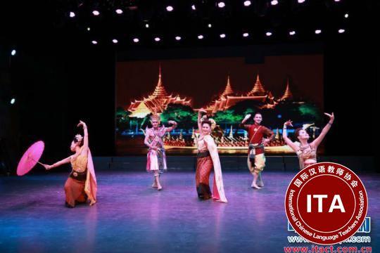 图为独具特色的东盟舞蹈 林浩 摄